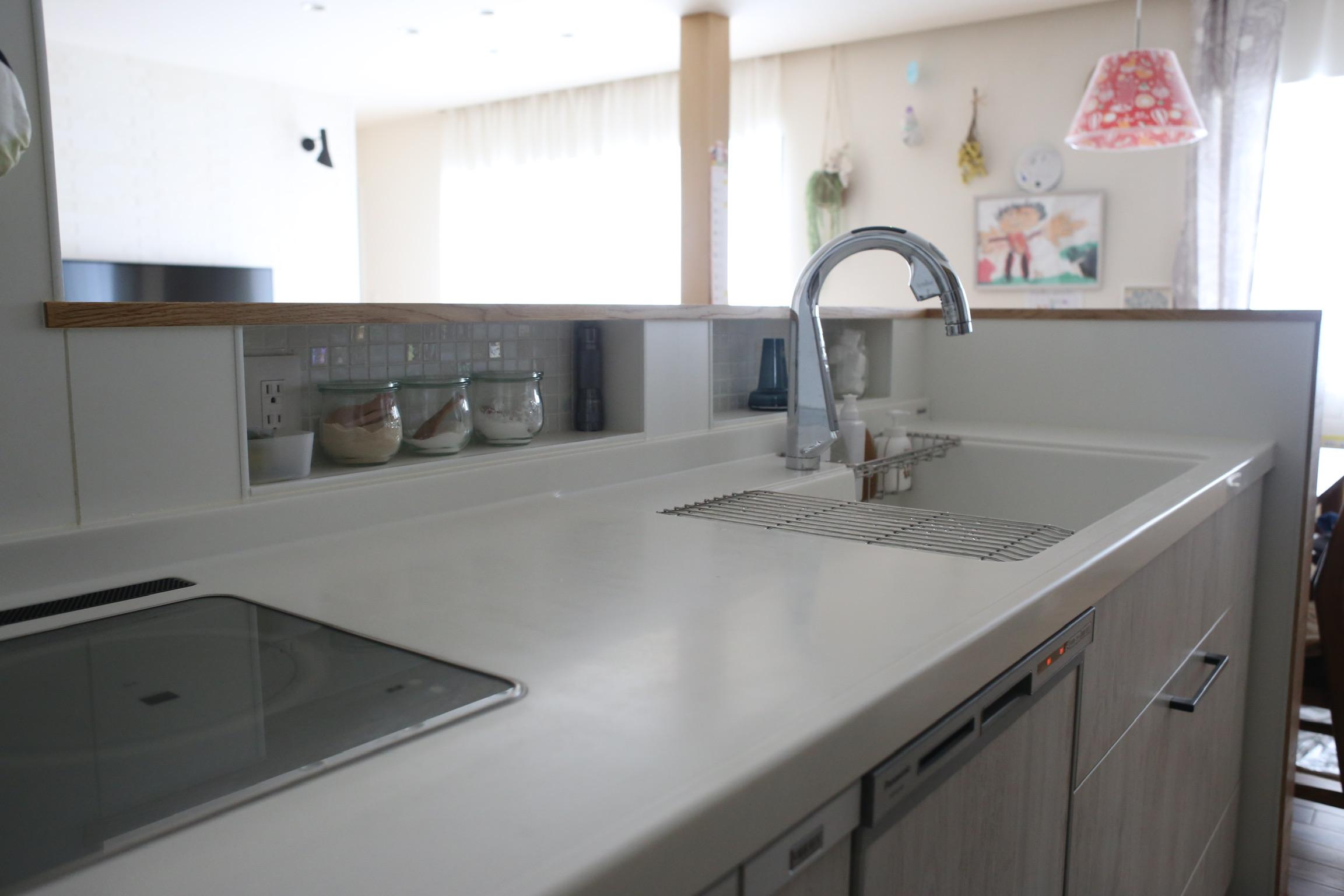 《web内覧会2019》キッチン6 手元を隠す造作腰壁とスパイスニッチ 仕様まとめ